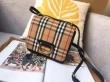 【激安のセール事情】 バーバリー BURBERRY 斬新なデザイン ミニバッグ 販売記念価格