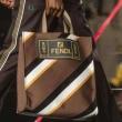 おしゃれ感で魅せる! フェンディ ファッションに役立つ FENDI 注目度UP!ハンドバッグ 多色可選 シンプル派